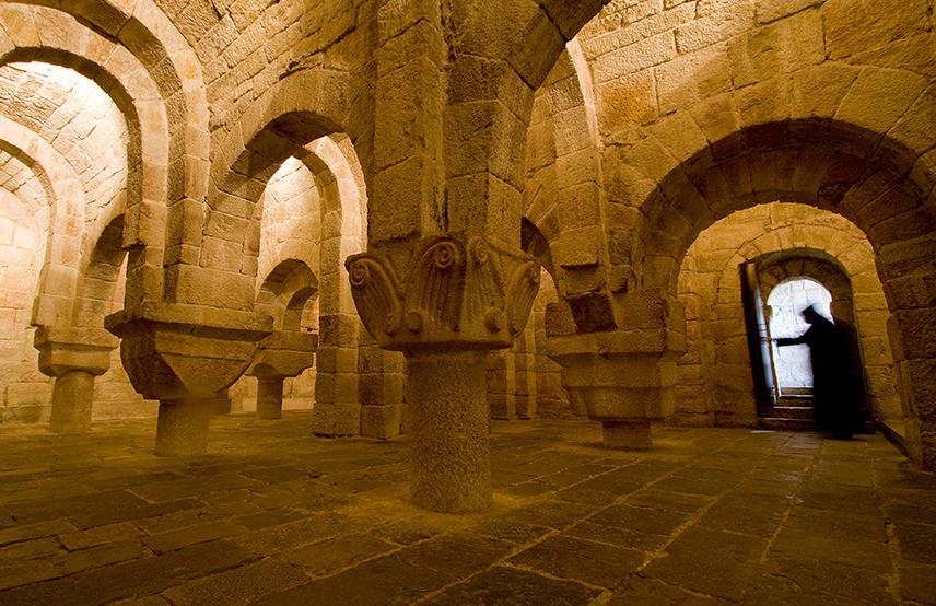 Interior de cripta del Monasterio de Leyre