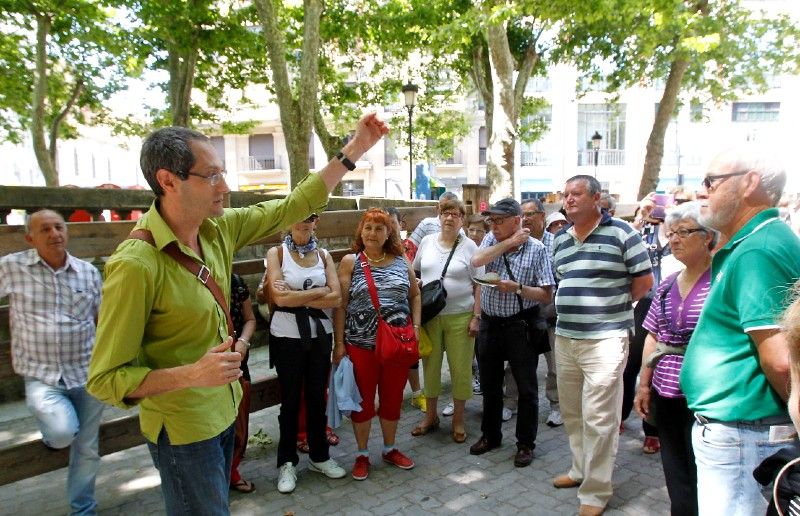 Guided tour for a group in Pamplona